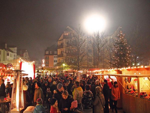 Eindrücke vom 24. Vorweihnachtlichen Kathrein-Markt im REZ Heimstetten