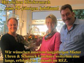 Uhren & Schmuck Lachner im REZ feiert<br>25-jähriges Jubiläum! Wir gratulieren!