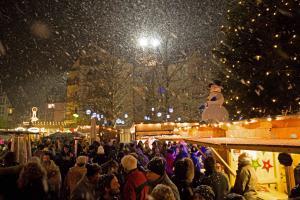 28. Vorweihnachtlicher Kathrein-Markt<br>im Räter-Einkaufs-Zentrum Heimstetten!