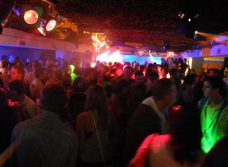 REZ Tiefgaragenparty (TGP) 2012 - Party-Fotos und -Videos jetzt online!