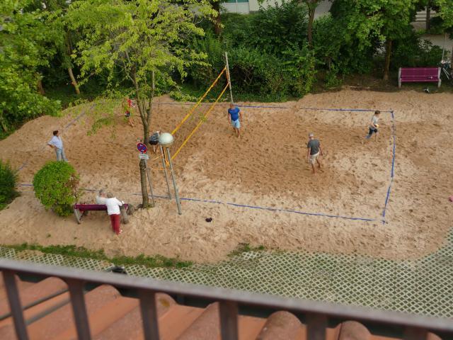 Das Beachvolleyballfeld im REZ  2020 wartet auf Euch!